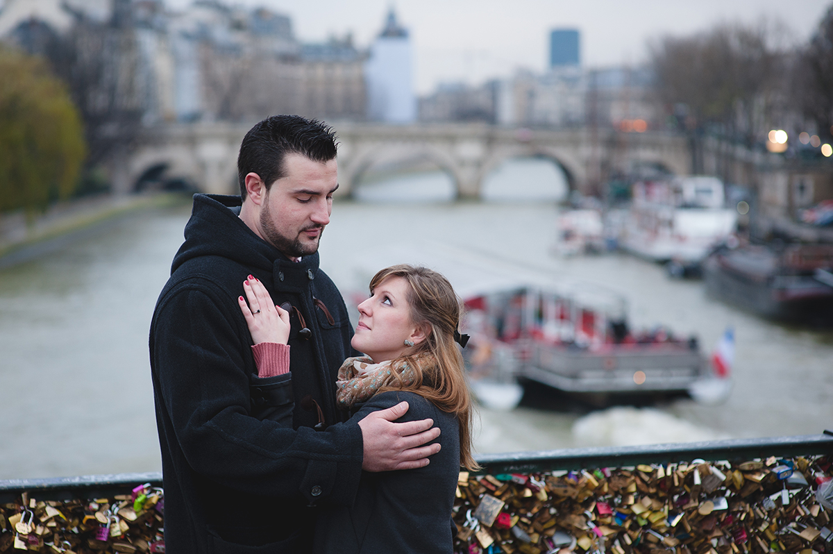 romance photo photographie mariage seance engagement paris pont des arts
